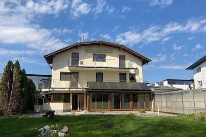 Familienglück! Großzügiges Wohnhaus mit 2 Wohneinheiten am Grüngürtel