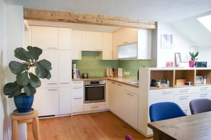 Tradition trifft Moderne! Sanierte Dachgeschosswohnung