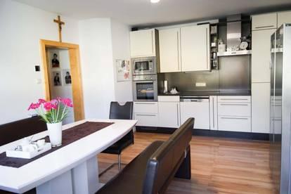 Raumwunder! Renovierte 4-Zi. Wohnung mit optimaler Raumnutzung