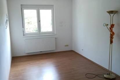 3-Zimmer Wohnung im Zentrum von Halbturn mit LOGGIA