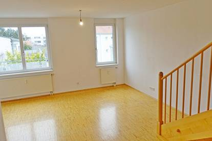 U6-Nähe - Großzügige Dachgeschoß-Wohnung mit 2 Terrassen - provisionsfrei