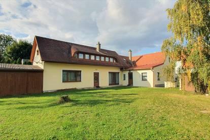 gemütliches Einfamilienhaus mit großzügigem Garten und großem Nebengebäude