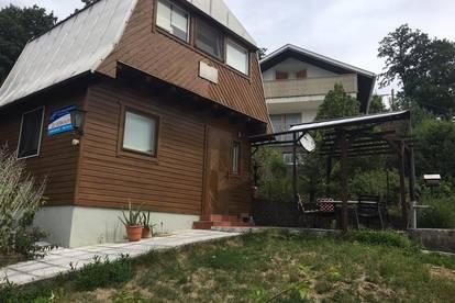 gemütliches Kleingartenhaus auf Eigengrund, hinter American International School