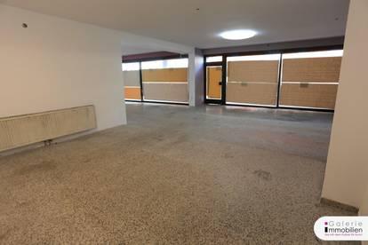 Großzügiges Ladenlokal mit 30m² trockenem Kellerraum - - branchenfrei - Adaptierungsbedarf