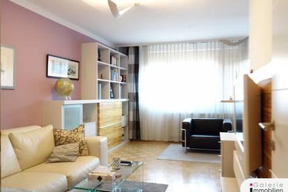 Moderne, möblierte 5-Zimmer-Wohnung mit Loggia in begrünten Innenhof!