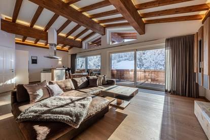 Stilvolle Dachgeschosswohnung in fußläufiger Lage von Kitzbühel  mit guter Skianbindung