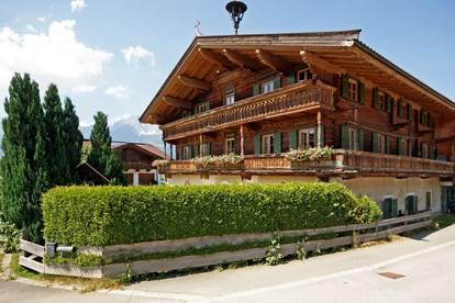 Schöne Landhaus-DG-Wohnung in Oberndorf ( 2020-03478 )