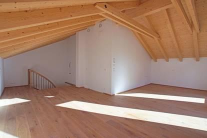 Doppelhaushälfte - direkt in Kirchberg ( 02244 )