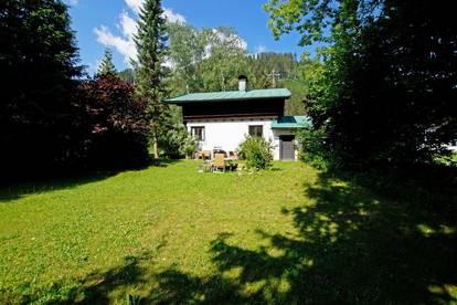 Grundstück mit Altbestand in Aurach ( 03225 )