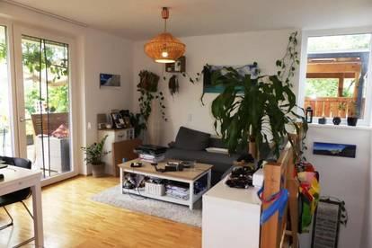 """MIETE """"NEUBAU"""" MOOSSTRASSE: 70 m² 3 Zimmer-Garten-Maisonette mit ca. 60 m² Süd-Eigengarten und Carport-Stellplatz"""