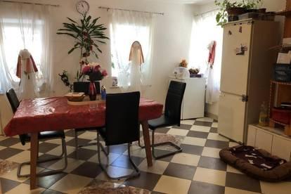 4-Zimmer Wohnung im EG