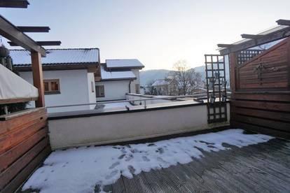 Moderne, gut geschnittene 3 - Zimmer Maisonette mit schöner Süd - Terrasse