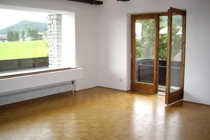 Anleger: 5 Zimmer Wohnung mit gr. Balkon in ruhiger Lage!