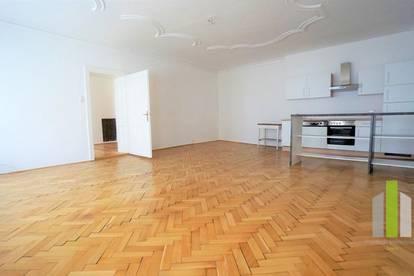 Altstadtflair: Große 3 Zimmerwohnung mit 140m²