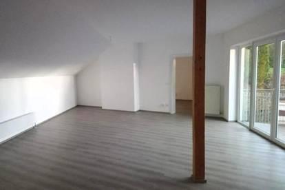 Dachgeschosswohnung 2 Zimmer mitten in Henndorf