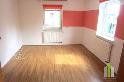 Nette 3 Zi.-Wohnung mit Garage