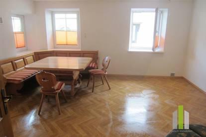 4 Zimmer Wohnung-Hausanteil