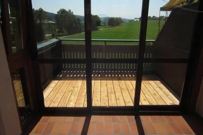 Traumblick: 3 Zi-Wohnung mit Balkon und Garage