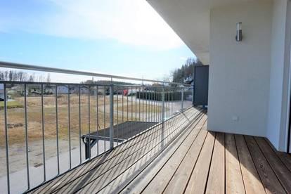 Helle 3 Zi.-Wohnung mit Balkon und 2 TG-Stellplätze