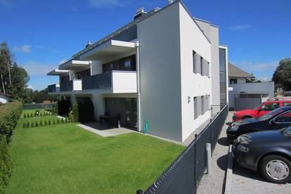 Neuwertige 3 Zi-Garten-Wohnung mit Terrasse
