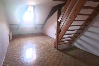 Dachgeschosswohnung 2 Zimmer in Hallein