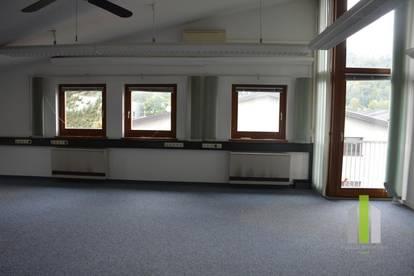 Großzügiges Büro zu vermieten