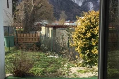 Gartenwohnung mit 2 Zimmern und Küche!