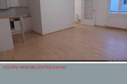 Mitten im Zentrum: Nette Zwei-Zimmer-Wohnung!