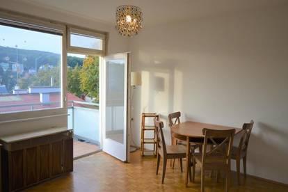 Unbefristete Miete! Ruhig gelegene Ein-Zimmer-Wohnung mit Balkon und Fernblick