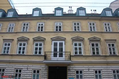 Wunderschöne generalsanierte ruhige und helle 5,5-Zimmer Wohnung mit kleinem Balkon nahe Quartier Belvedere - unbefristet