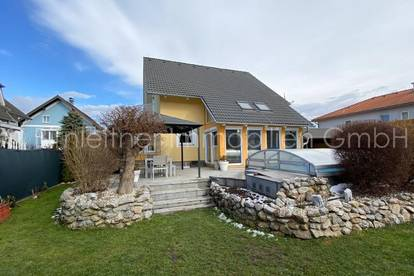 4025 - Gepflegtes Einfamilienhaus mit Pool