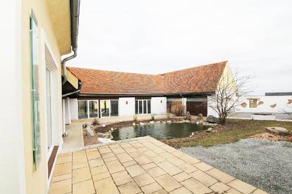 Schöner Dreikanthof am Nestelbachberg - Herrschaftliches Wohnen in Ruhelage