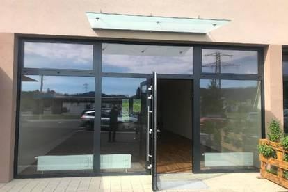 Geschäftslokal mit Schaufenster