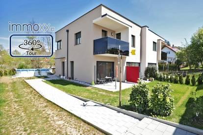 Neubau Doppelhaushälfte mit Pool und exklusiver Ausstattung