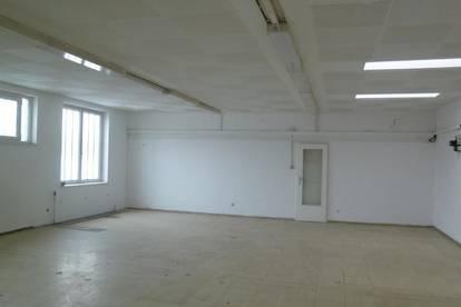Büro/Räume im 1 OG
