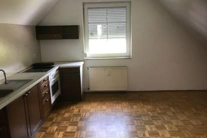 Gepflegte Hausetage mit 3 Zimmern