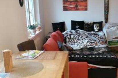 Helle 2 Zimmer Wohnung in ruhiger Lage
