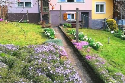Steyeregg: Gepflegtes Reihenhaus mit großzügigem Balkon und Garten und Garage