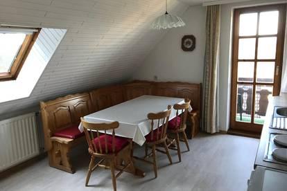 Gepflegte 3 Zimmerwohnung mit Balkon