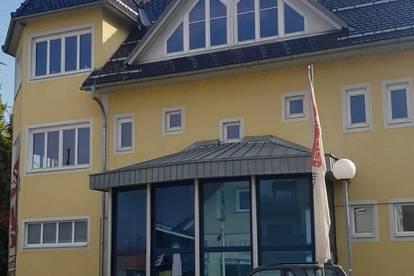 Gewerbe- und Wohnhaus im Kerngebiet
