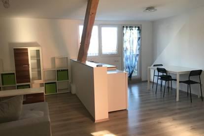 Neuwertige, helle und auf Wunsch möblierte 1 Zimmer Wohnung mit großer Dachterrasse