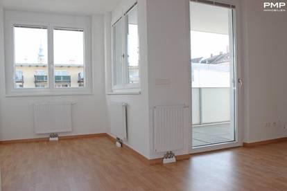 Helle, ruhige Wohnung mit großem Balkon