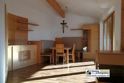 Voll-möblierte 4-Zimmer Wohnung mit Terrasse, Garage, uvm.