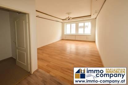 Zimmer, Küche und Terrasse!!!
