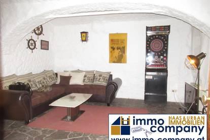 Urige 2-Zimmer-Wohnung im Erdgeschoss!