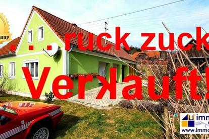 Wunderschönes, ehemaliges Bauernhaus mit Arkadengang - ca. 79m² Wfl., ca. 1780m² Gfl. – Ideal für 2 Personen - Kaufpreis 119.000 Euro! Nur wenige Fahrminuten vom Stadtzentrum Jennersdorf entfernt befindet sich dieses Schmuckstück.