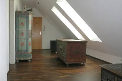 Dachgeschosswohnung im Herzen von Baden