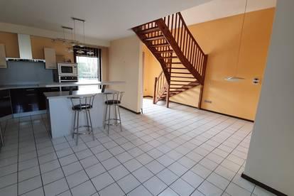 Wohntraum mit Einbaupool in top Lage