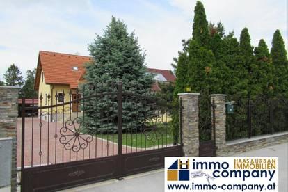 Einfamilienhaus in Straßhof mit großem Pool- ruhige Lage!