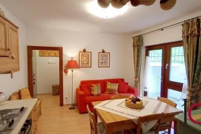 2-Zimmer-Appartament mit großer Terrassenfläche und Parkplatz